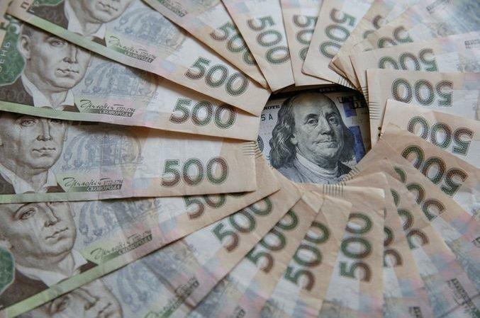 """Безповоротна фінансова допомога: що з витратами, """"діловою метою"""" та податковими ризиками?"""
